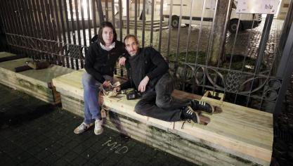 Des Justiciers Urbains Contre Les Bancs Anti-SDF à Bruxelles