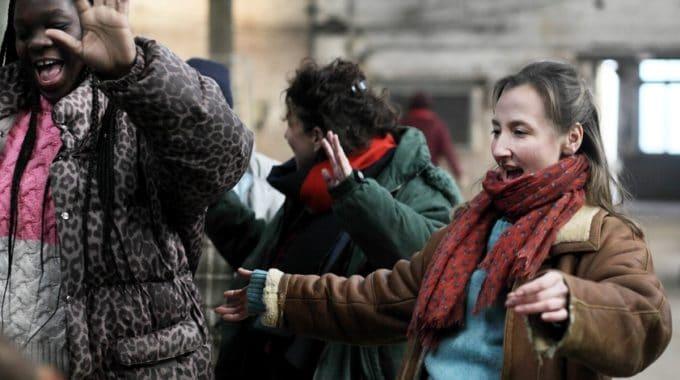 «Les Invisibles» : Rendre Leur Dignité Aux Femmes Sans-abri