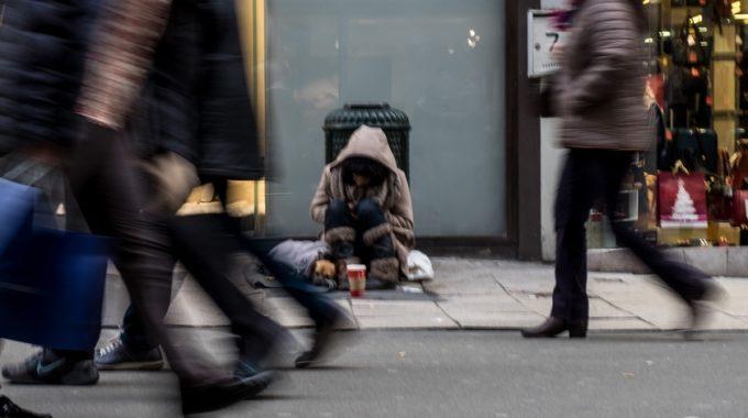 Plus De La Moitié Des SDF N'ont Pas Eu De Logement Stable Depuis Un An