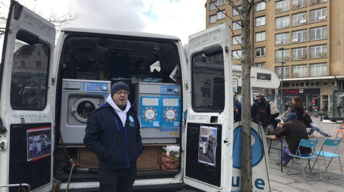 Bruxelles: Une Asbl Propose Un Service De Wasserette Mobile Pour Les Sans-abri